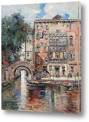 Гондолы и венецианский канал