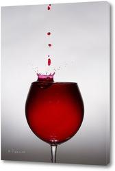 Постер Капля вина падает в рюмку 1